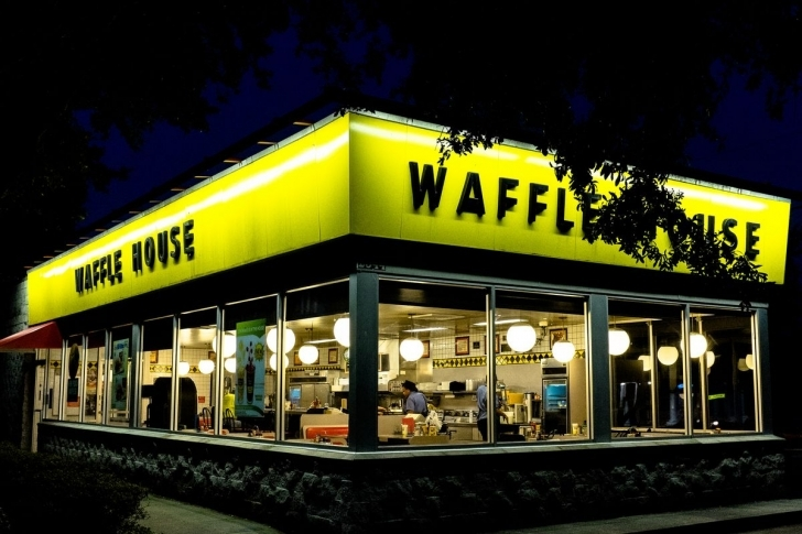 Classy 24-Hour Breakfast Pusher Waffle House Is Coming To East Dallas Waffle House Plano Image